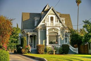 Architecture-building-driveway-259685