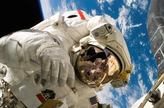 Astronaut-astronomy-cosmos-2156